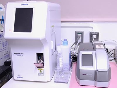 血糖値・ HbA1c分析装置、自動血球計数CRP測定装置